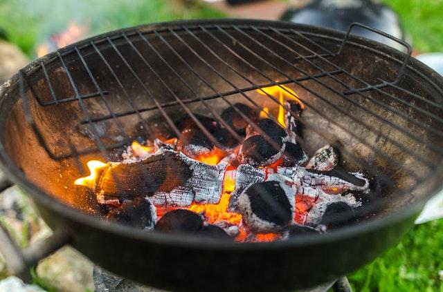 grill-weglowy